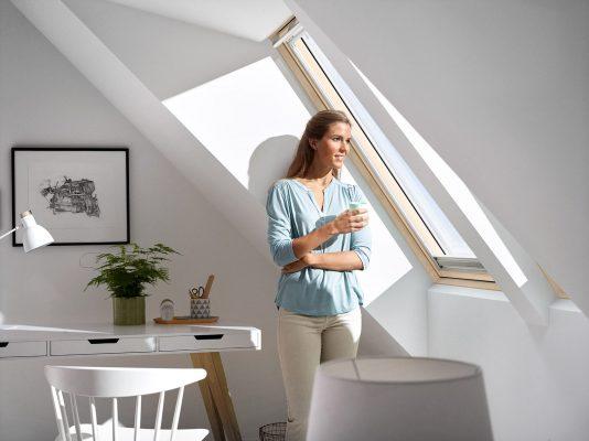 Мансардное окно: советы по выбору и установке