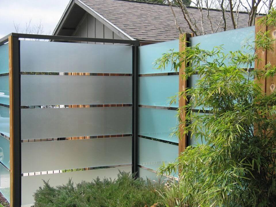 забор из стекла